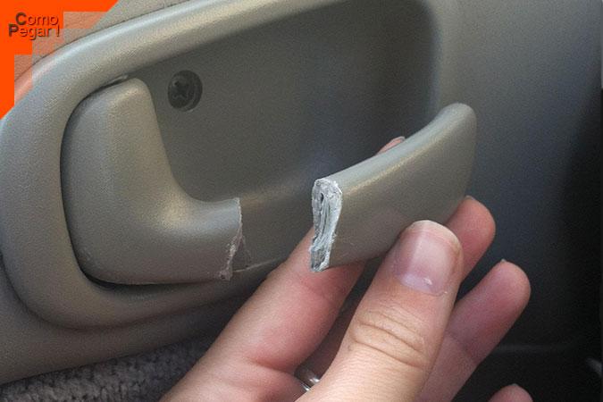 Cómo pegar plástico duro